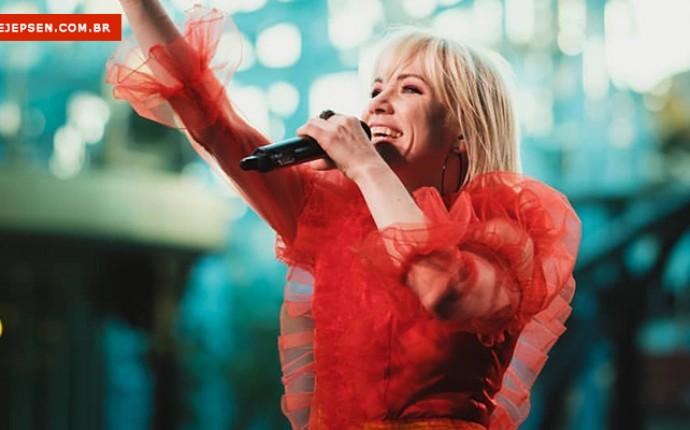 Assista ao show de Carly Rae Jepsen no Primavera Sound completo!