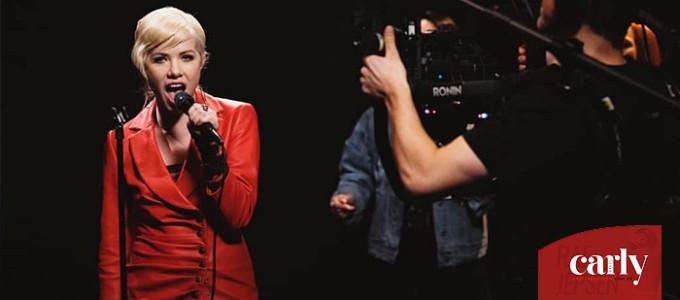 Carly Rae Jepsen divulga nova performance ao vivo em parceria com a VEVO UK: Now That I Found You
